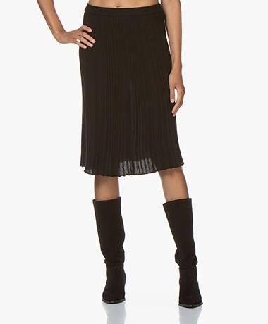 Belluna One Knitted Pleated Skirt - Black