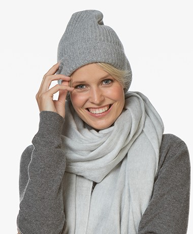 Repeat Cashmere Rib Knitted Beanie - Light Grey