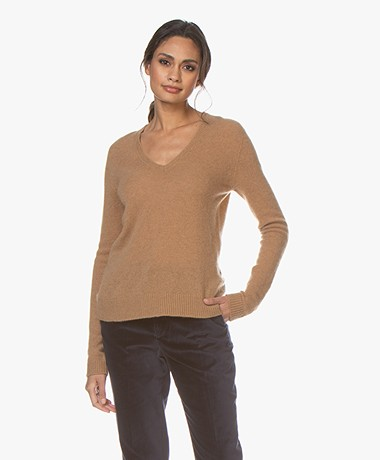 Majestic Filatures Cashmere V-neck Sweater - Camel