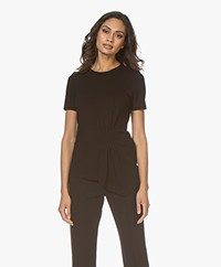 By Malene Birger Twill T-shirt met Plooidetail - Zwart