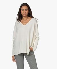 Resort Finest Cape V-neck Cashmere-Silk Blend Sweater - Ecru