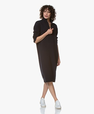Closed Knitted Midi Dress with Turtleneck - Navy