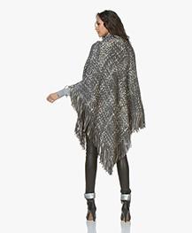 Manos del Uruguay Cadaquez Triangle Sjaal - Grijstinten/Ecru