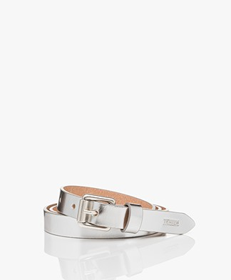 Closed Narrow Metallic Leather Belt - Silver