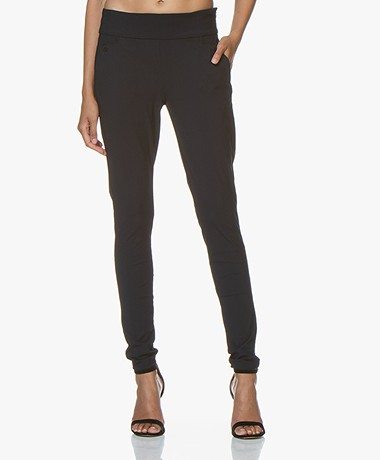 Woman by Earn Amber Tech Jersey Broek - Navy