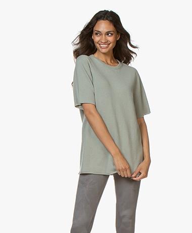 extreme cashmere N°64 Lang Gebreid Cashmere T-shirt - Bean