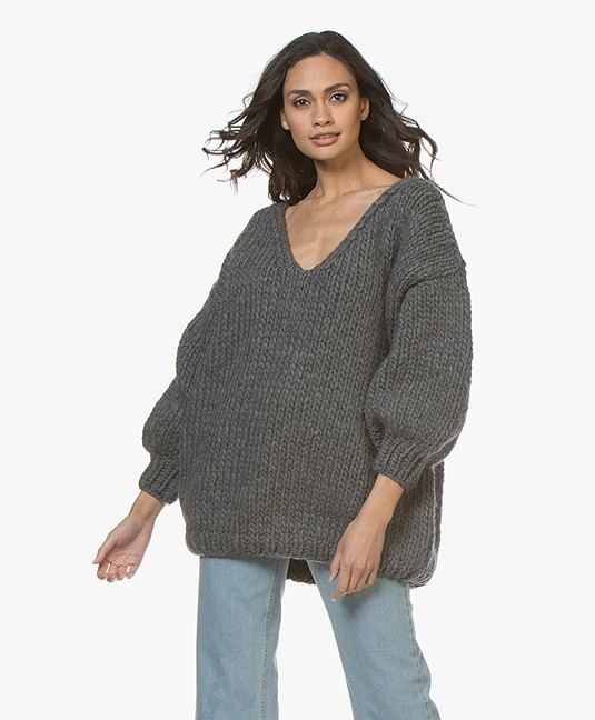 Oversized Trui V Hals.I Love Mr Mittens Oversized V Hals Trui Charcoal Aw18 09c Charcoal