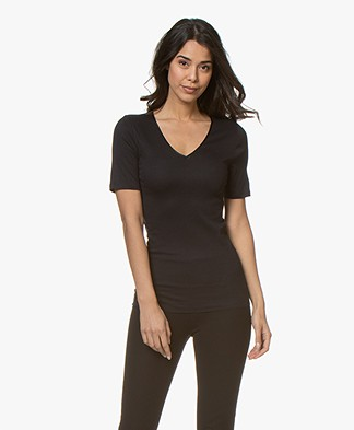 HANRO Cotton Seamless V-neck T-shirt - Black