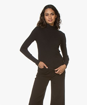 Majestic Filatures Ribbed Turtleneck with Cashmere – Black