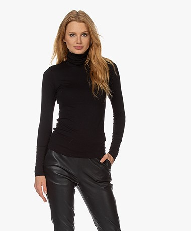 Majestic Filatures Viscose Soft Touch Jersey Colshirt - Zwart