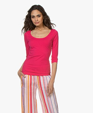 Josephine & Co Cher T-Shirt with Cropped Sleeves - Fuchsia