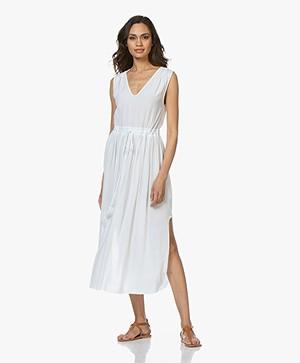 BRAEZ Mouwloze Midi-jurk met Plooien - Wit