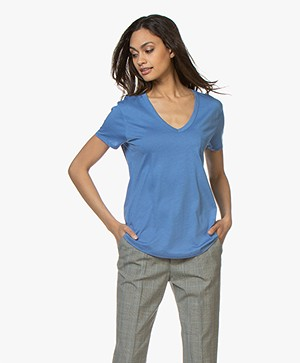 Repeat Lyocell V-neck T-shirt - Blue Jeans