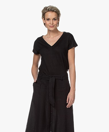 Kyra & Ko Synthia Linen Jersey V-neck T-shirt - Black