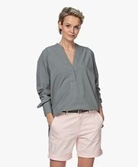 Closed Darcy Katoenen Splithals Blouse - Dusty Pine
