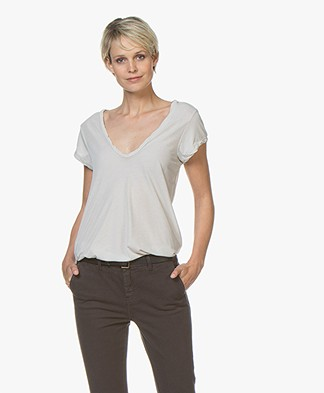 James Perse V-neck T-shirt in Extrafine Jersey - Silver
