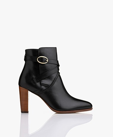 Vanessa Bruno Leather Ankle Boots - Black