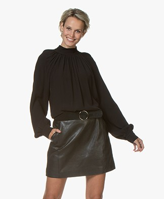 by-bar Duke Geplooide Viscose Blouse - Zwart