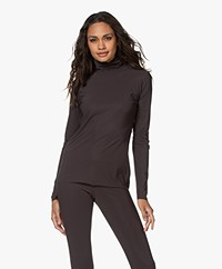 Woman by Earn Olive Tech Jersey Colshirt - Donkerbruin