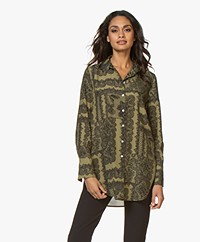 By Malene Birger Cologne Zijdemix Print Blouse - Winter Moss