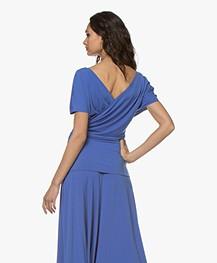 By Malene Birger Crêpe Jersey Overslag T-shirt - Vintage Blue