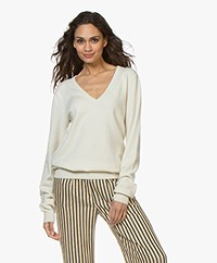 extreme cashmere N°89 Be Nice Cashmere V-neck Sweater - Cream
