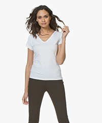 Filippa K Fine Lycra V-neck T-shirt - Wit