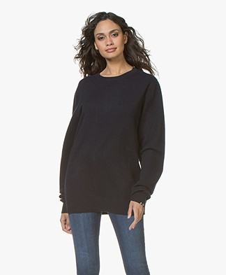 extreme cashmere N°36 Be Classic Round Neck Sweater - Navy