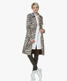 By Malene Birger Rainie Zebra Print Trench Coat - Dry Desert