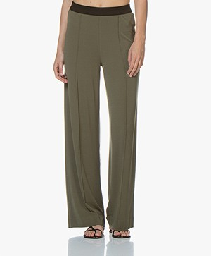 By Malene Birger Miela Crêpe Jersey Broek - Olive Night