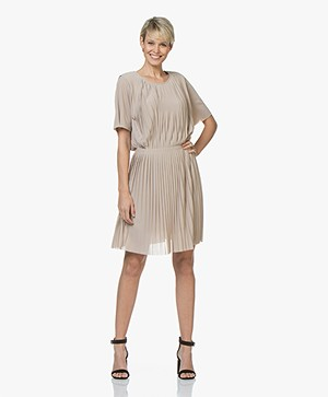 Filippa K Pleated Jurk - Light Taupe