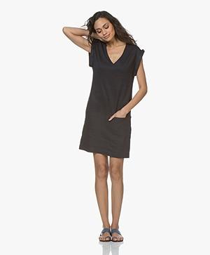 Majestic Filatures Linen V-neck Short Sleeve Dress - Marine