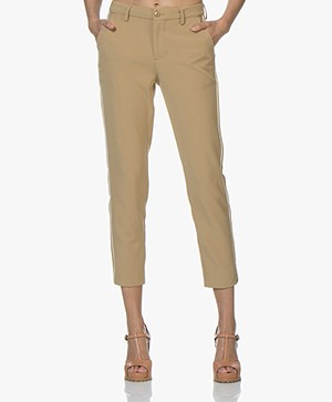 Closed Jack Cropped Pants with Piping Finish - Dark Beige