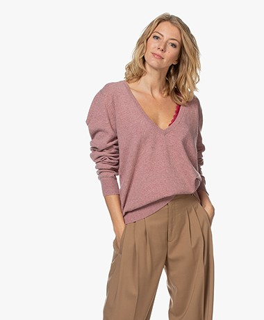 extreme cashmere N°38 Be Low Cashmere V-hals Trui - Jelly