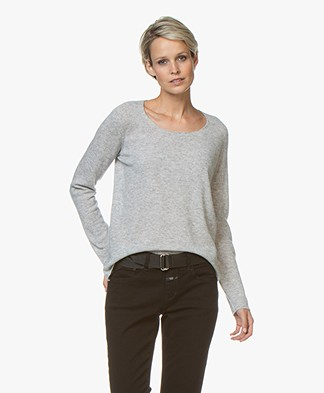 Majestic Filatures Cashmere R-neck Sweater - Light Grey Melange