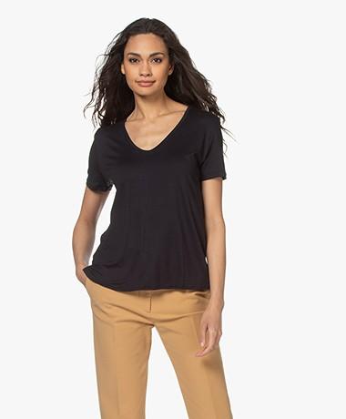 Majestic Filatures Viscose Soft Touch V-hals T-shirt - Marine