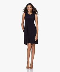 Norma Kamali Sleeveless Swing Travel Jersey Jurk - Midnight