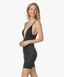 SPANX® Suit Your Fancy Mid-Thigh Bodysuit Plunge - Zwart