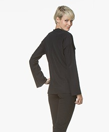JapanTKY Fabia Strikblouse in Travel Jersey - Zwart