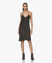 BRAEZ Dollen Viscose Slip Dress - Zwart