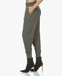 extreme cashmere N°56 Yogi Gebreide Broek - Kaki
