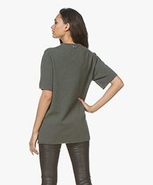 extreme cashmere N°64 Lang Gebreid T-Shirt - Kaki