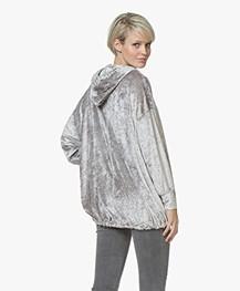 BRAEZ Sany Oversized Fluwelen Sweater met Capuchon - Zilvergrijs