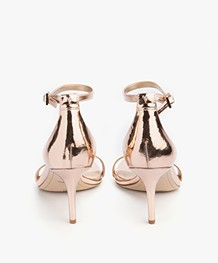 Sam Edelman Patti Sandals in Liquid Metallic - Oro Remato