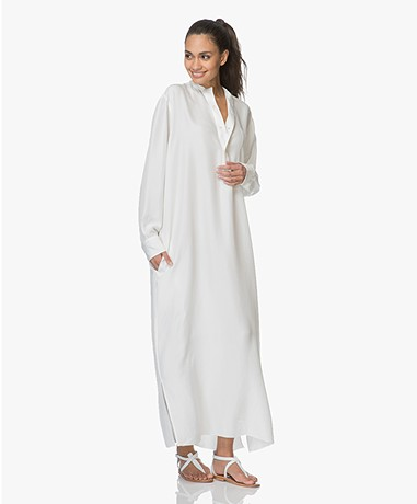 extreme cashmere N°68 Lord Maxi Shirt Dress in Habotai Silk - Off-white