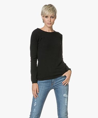 Resort Finest Forte Round Neck Pullover - Black