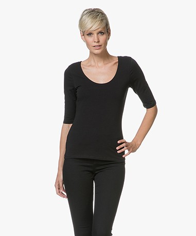 Filippa K Cotton Stretch Scoop Neck T-Shirt - Zwart