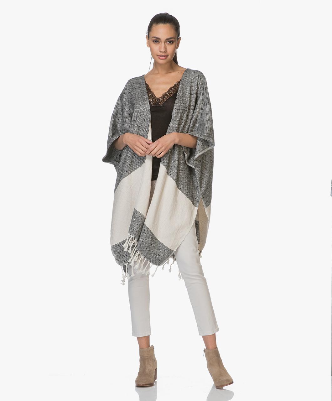 Afbeelding van Bon Bini Vest Kimono Nikiboko Poncho in Zwart