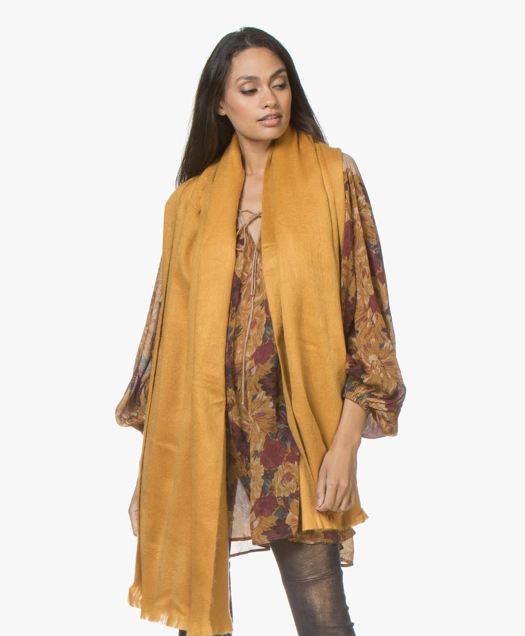 Obrázek Alpaca Loca Scarf Ochre Yellow Handmade Uni