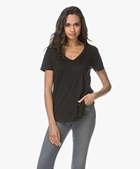 Repeat Lyocell Jersey V-hals T-shirt - Zwart